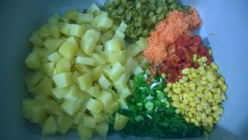 koz-biberli-yogurtlu-patates-salatasi-1